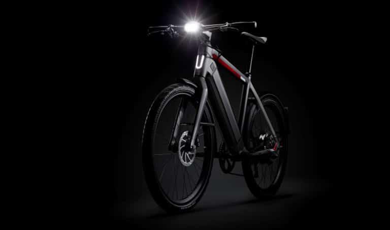 Helle Beleuchtung an einem e-Bike