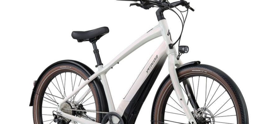 Weisses Turbo e-Bike von Specialized