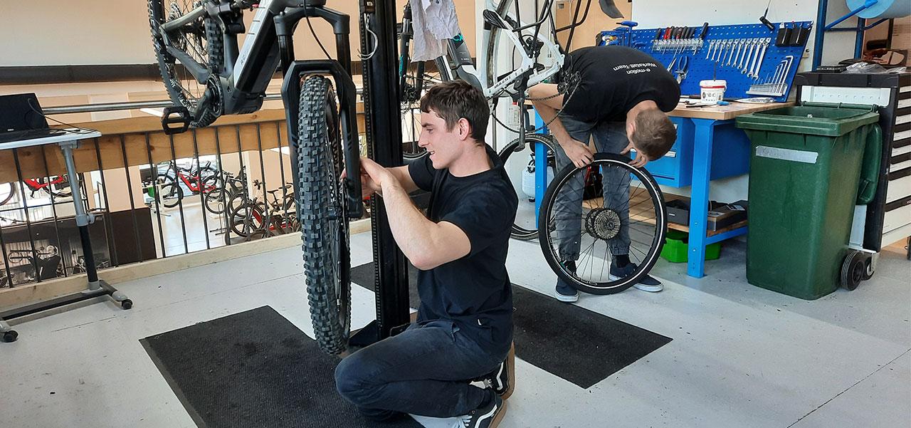 Werkstatt in der e-motion e-Bike Welt Dietikon