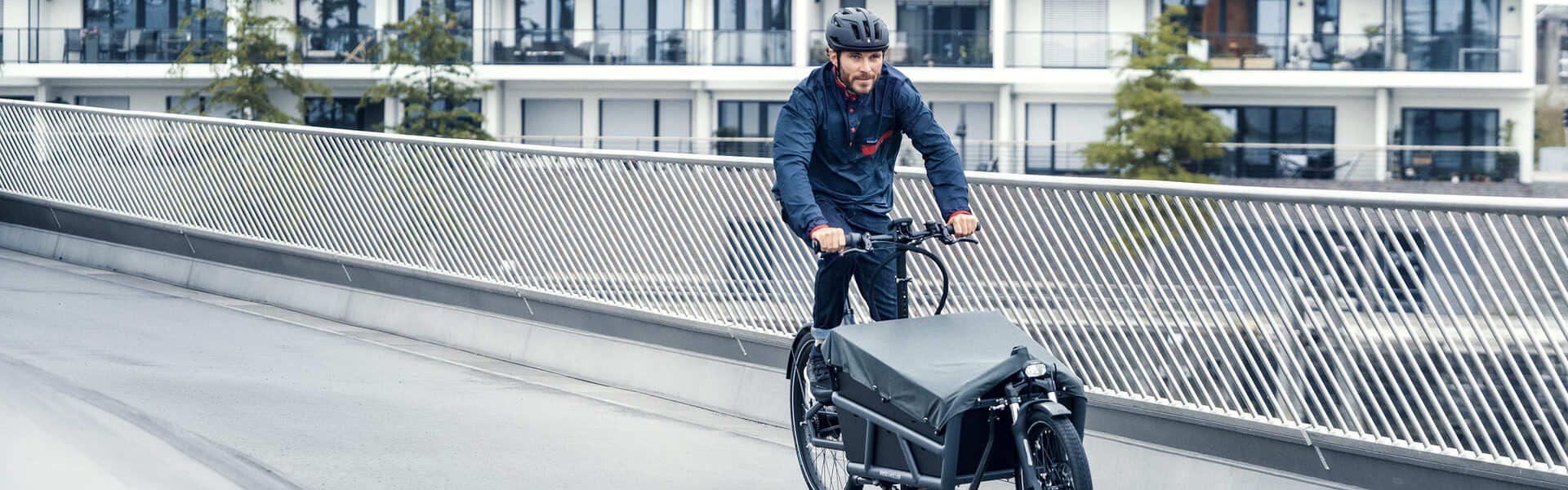 Riese & Müller Lasten e-Bike auf Strasse
